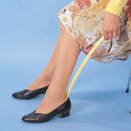 Long Shoehorn in Use